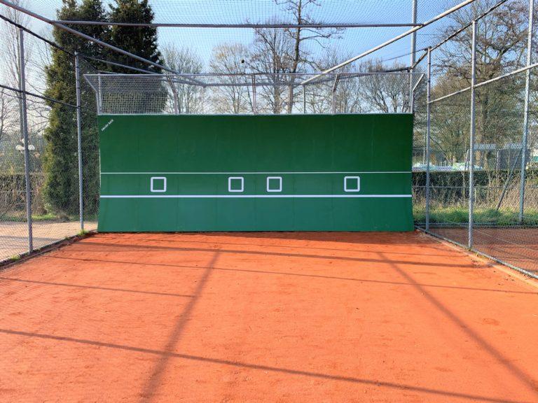 Montage tennismuur